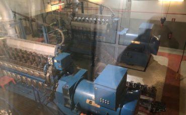 ultratecno limpieza de motor de generacion electrica